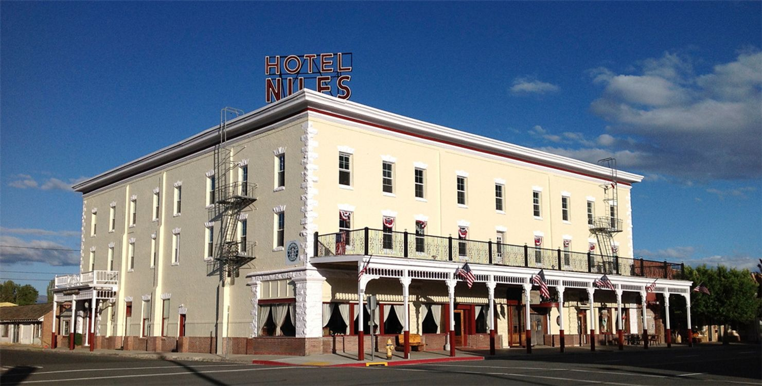 The Niles Hotel
